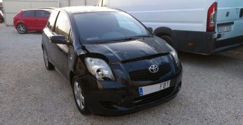 Toyota Yaris con golpe venta Ref 1395
