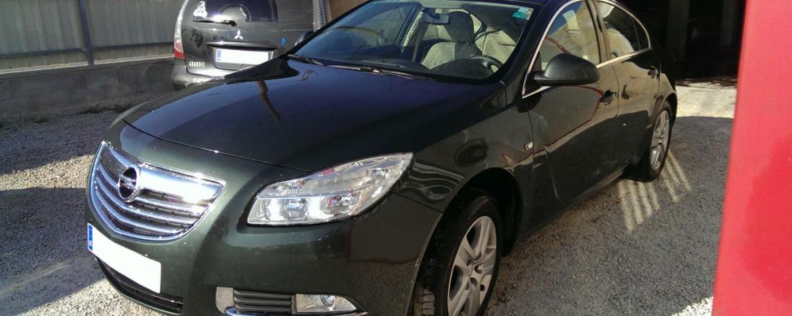 Opel Insignia averiado