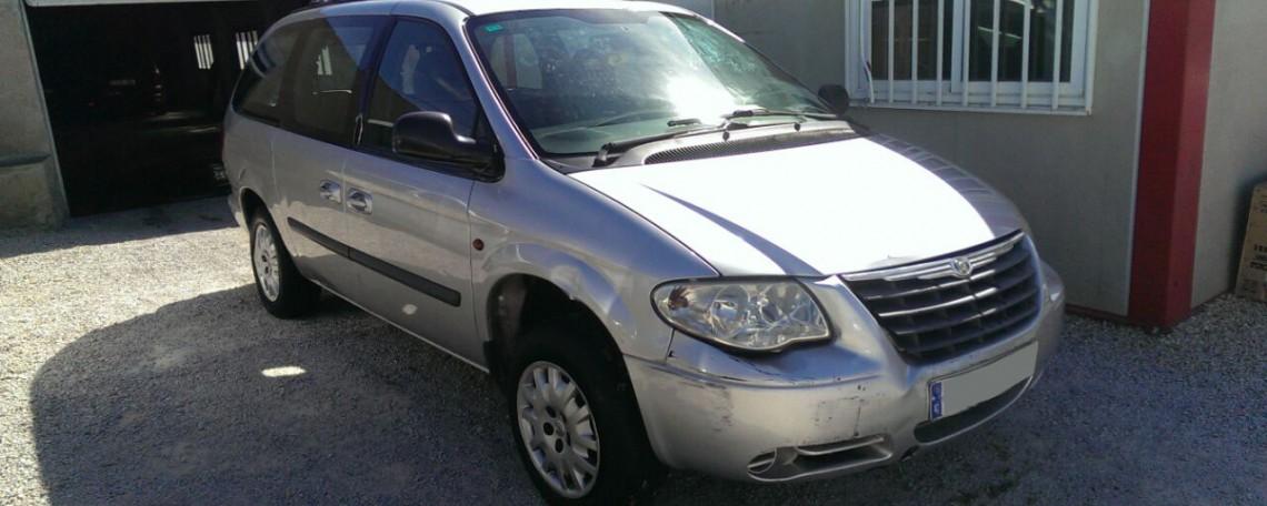 Chrysler Voyager averiado en venta