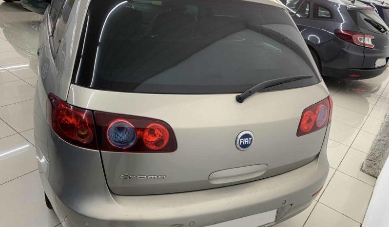 Fiat Croma con golpe en venta lleno